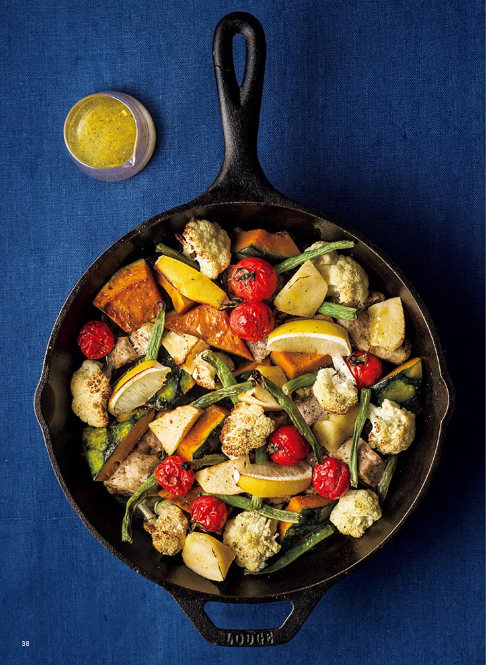 ◤博客來BOOKS◢ 暢銷書榜《推薦》鑄鐵鍋絕品美味料理:使用LODGE平底鍋、湯鍋、煎鍋、焗烤盤