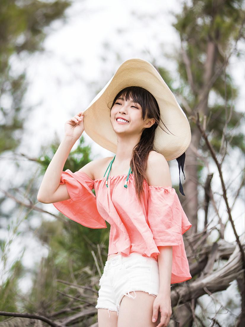 ◤博客來BOOKS◢ 暢銷書榜《推薦》Sweet Pig黃沐妍 寫真