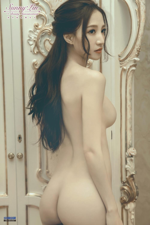 ◤博客來BOOKS◢ 暢銷書榜《推薦》《林采緹美麗宣言》東京x台北寫真全記錄【特裝版】
