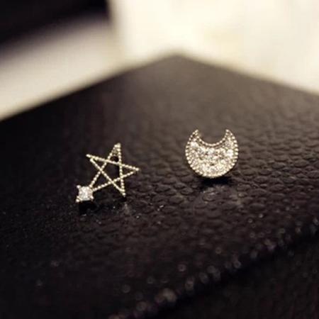 A  accessories 北歐極簡風~月伴星光 小巧氣質925銀耳針