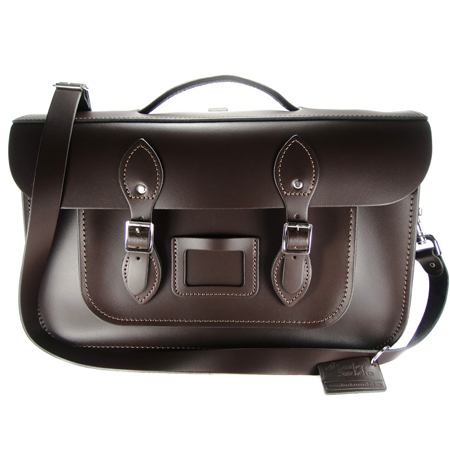 【The Leather Satchel Co.】15吋 英國手工牛皮劍橋包 手提包 肩背包 後背包多功能三用包 精湛工藝 新款磁釦設計方便開啟(巧克力黑)