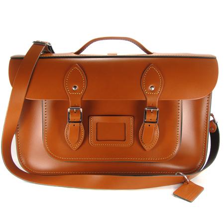 【The Leather Satchel Co.】15吋 英國手工牛皮劍橋包 手提包 肩背包 後背包多功能三用包 精湛工藝 新款磁釦設計方便開啟(倫敦棕)