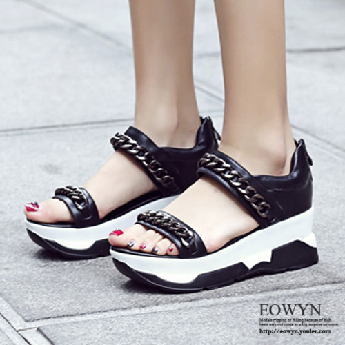EOWYN.學院風時尚金屬鏈裝飾拉鏈平底厚底涼鞋EMD05083-89/2色/34-39碼現貨+預購38黑色