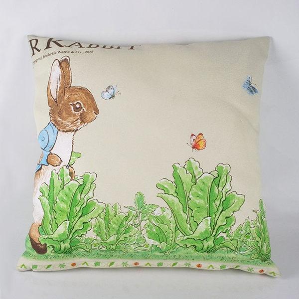 【U】Peter Rabbit 比得兔 - 比得兔活潑跑兔抱枕 - 白色